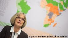 Bärbel Dieckmann, Präsidentin der Welthungerhilfe, spricht am 13.10.2014 in Berlin während einer Pressekonferenz zur Vorstellung des «Welthunger-Index 2014». Foto: Lukas Schulze/dpa (zu dpa «Kampf gegen Hunger zeigt Erfolge» vom 13.10.2014)