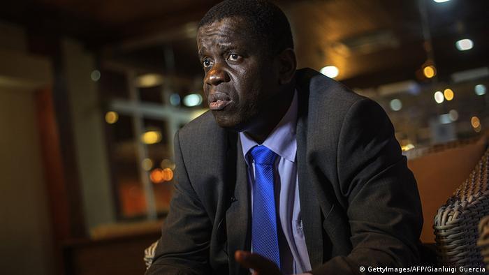 Daviz Simango, edil do Município da Beira, Moçambique