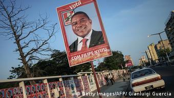 Wahlen Mosambik Filipe Nyusi auf einem Plakat