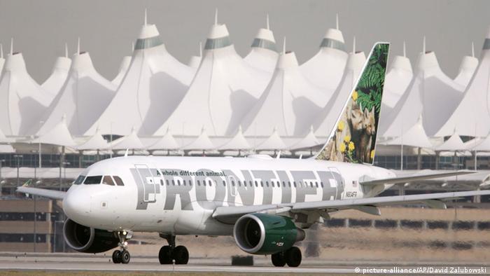 Flugzeug der US-Gesellschaft Frontier Airlines (Foto: AP)