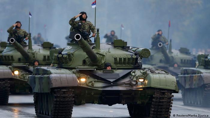 Militärparade in Belgrad 16.10.2014
