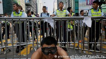 China Hongkong Proteste Demonstrant Polizisten