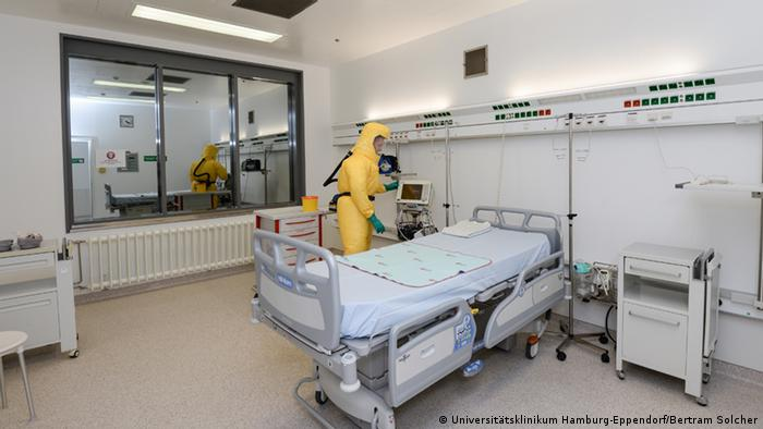 Isolierstation Uniklinik Hamburg-Eppendorf (Foto: Universitätsklinikum Hamburg-Eppendorf/Bertram Solcher)