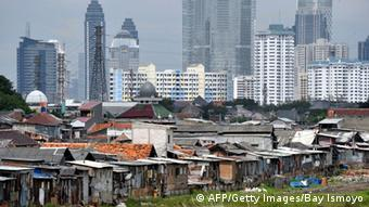 Slum in Jakarta Archiv 2013 (AFP/Getty Images/Bay Ismoyo)