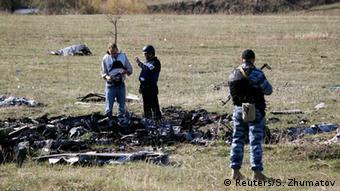 OSZE-Beobachter in der Ukraine: Absturzstelle von MH17 (Foto: Reuters)