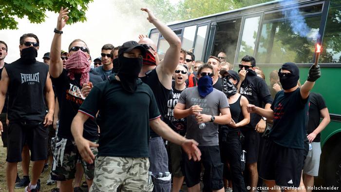 Polizei-Einsätze gegen Hooligans