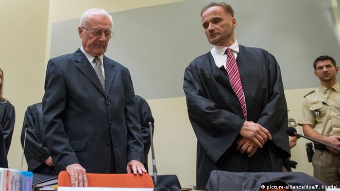 Anto Nobilo u minhenskoj sudnici s Josipom Perkovićem (snimljeno 17.10.2014.)