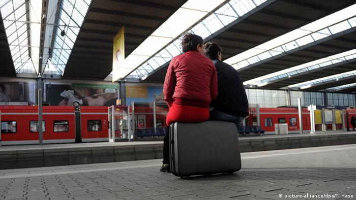 Сотні тисяч пасажирів муситимуть шукати альтернативу потягам