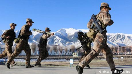 China Soldaten in Xinjiang