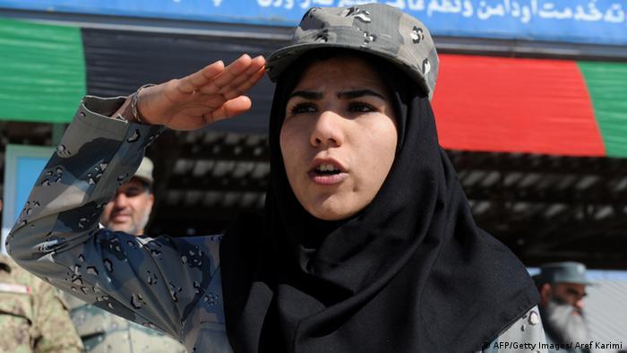 Afghanische Polizistin in Herat am 27.02.2014 (Foto: AFP/Getty Images)