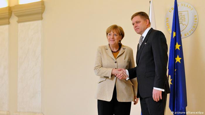 Канцлерка Німеччини Анґела Меркель та словацький прем'єр Роберт Фіцо під час зустрічі в Братиславі