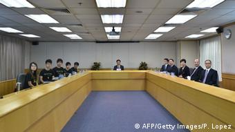Beginn von Gesprächen in Hongkong