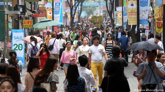 Südkorea Einkaufsstraße in Seoul Juli 2014