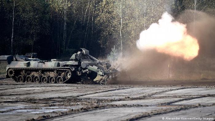 Symbolbild Waffenexporte Deutschland Panzer Keiler