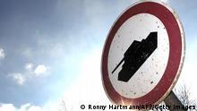 معاملات تسلیحاتی با کشورهای عربی از موضوعات مورد مشاجره میان دولت و اپوزیسیون آلمان بوده است