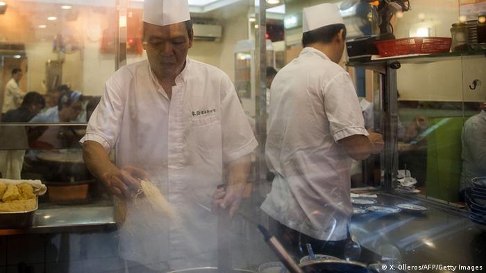 China Kochen in einem Restaurant in Hongkong