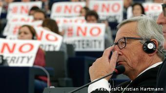 Juncker im Europaparlament 22.10.2014 Protest gegen Sparpolitik
