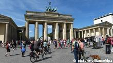 Touristen am Brandenburger Tor