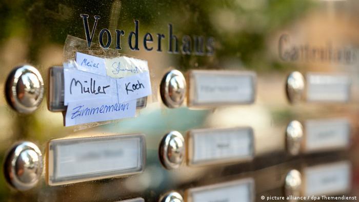 Klingelschild Symbolbild (picture alliance / dpa Themendienst)