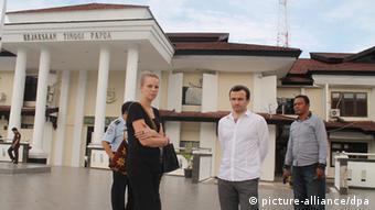 Thomas Dandois und Valentine Bourrat Journalisten in Indonesien festgenommen