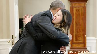 US President Obama meets Ebola survivor Nina Pham