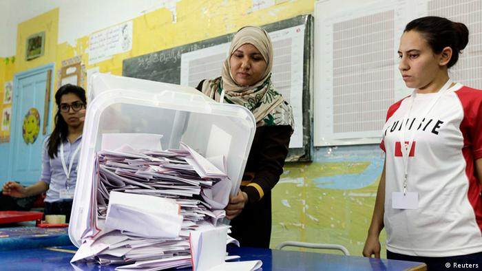 Vote counting in Tunisia, October 26 2014