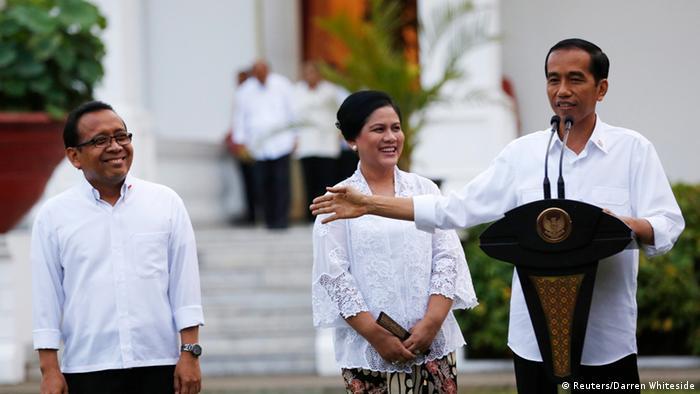 Joko widodo stellt sein kabinett vor 26 10 2014