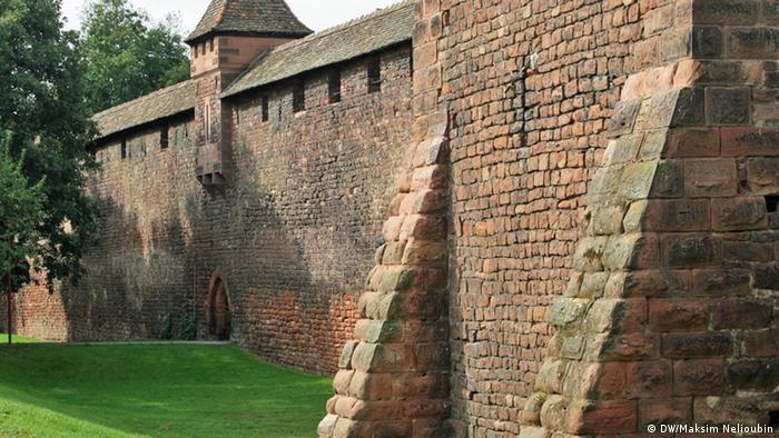 Средневековая городская стена в Вормсе