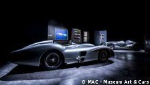 Blick in die Ausstellung. Andy Warhol. CARS // Ausstellung im Singener MAC Museum Art & Cars eröffnet // Daimler-Oldtimer und Warhol-Siebdrucke gemeinsam ausgestellt Pressebild darf nur in Zusammenhang mit einer Berichterstattung über die Ausstellung in Singen verwendet werden***