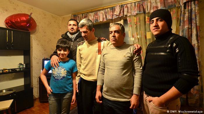 Семья сирийский беженцев, проживающих в России