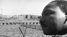 Berlin 1964 Martin Luther King an der Berliner Mauer