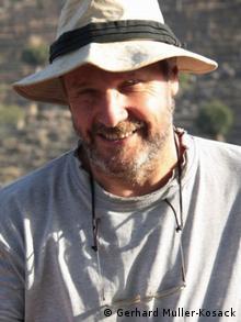 Gerhard Muller-Kosack, auf Forschungreise in den Gwozabergen (Foto: G. Müller-Kosack)