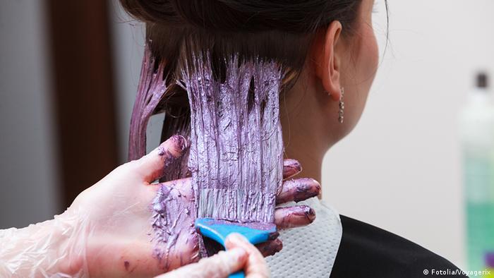Красить волосы дома - дешевле, чем в салоне
