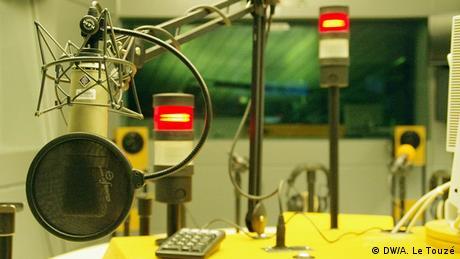 Estúdio de emissão SK2 da DW em Bona, Alemanha