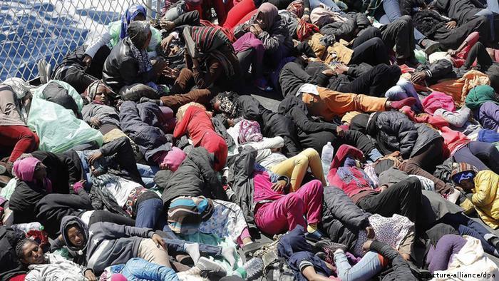 في الثالث من شهر تشرين الأول/ أكتوبر 2013 غرق قارب للمهاجرين بالقرب من جزيرة لامبيدوزاجنوب إيطاليا، فيما اعتبر أعنف حادث بحري في تاريخ أوروبا الحديث. وتم العثور على 366 جثة وبقي أكثر من هذا العدد في عداد المفقودين. وفي الحادي عشر من أكتوبر/تشرين الأول غرق قارب في مياه المتوسط قرب مالطة وتمكنت القوات الإيطالية والمالطية من إنقاذ 186 شخص بينما بقي حوالي 200 شخص مفقود، ورجحت وفاتهم جميعاً.