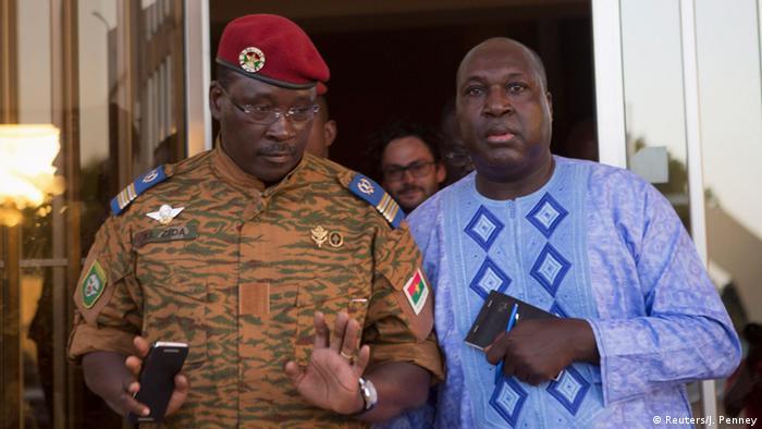 Lieutenant Colonel Yacouba Isaac Zida (L) meets with opposition leader Zephirin Diabre 02.11.2014