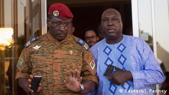 Burkina Faso Zida mit Oppositionsanführer Diabre 02.11.2014