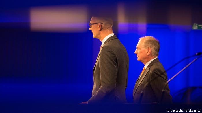 Die Gastgeber der Konferenz für IT-Sicherheit in Bonn am, 03.11.2014, Telekom Chef Tim Höttges und der Direktor der Münchner Sicherheitskonferenz, Wolfgang Ischinger. (Copyright: Deutsche Telekom)