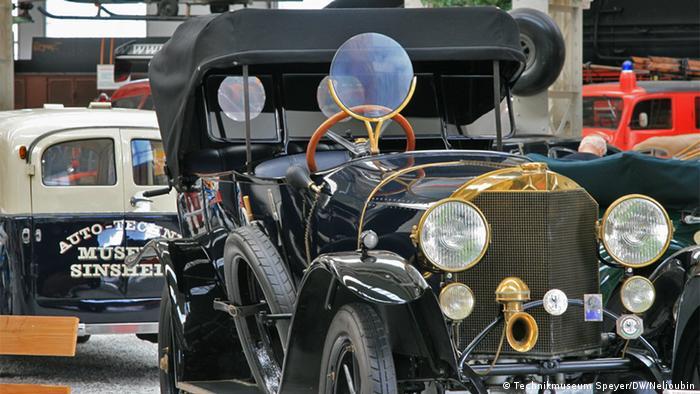 Mercedes-Knight 1919 года. Всего было выпущено 5350 экземпляров