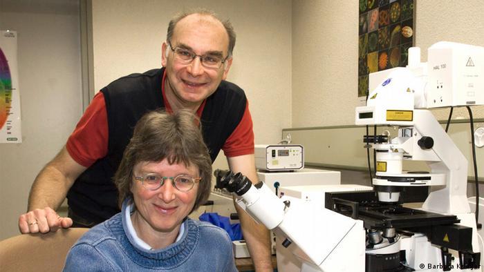 Annette Draeger and Eduard Bibiychuk (Photo: Barbara Krieger, Institute of Anatomy, University of Bern)