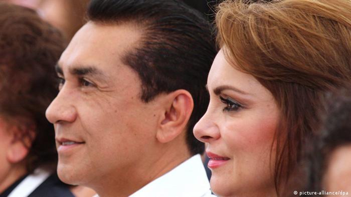 Abarca fue detenido junto con su esposa, María de los Ángeles Pineda, ambos acusados de ser los autores intelectuales del ataque contra los normalistas de Ayotzinapa.