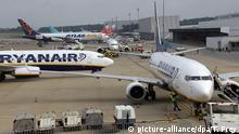 Ryanair planes (picture-alliance/dpa/T. Frey)