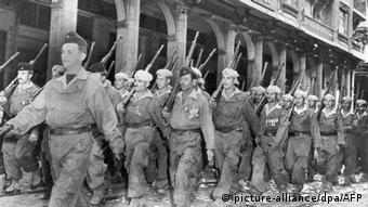 Одно из французских подразделений во время войны в Алжире