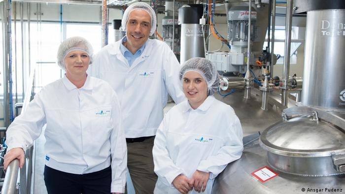 Katrin Petersen, Peter Eisner and Stephanie Mittermeier (Photo: Ansgar Pudenz/ Deutscher Zukunftspreis).