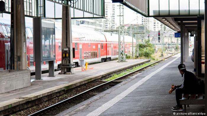 Empty platforms at Stuttgart station. Photo: Daniel Maurer/dpa