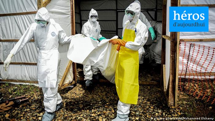 Symbolbild Ebola Schutzanzüge Ärzte