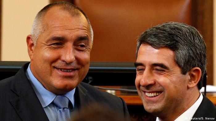 Bulgaria's newly-elected Prime Minister Boiko Borisov (L) smiles next to Bulgarian President Rosen Plevneliev