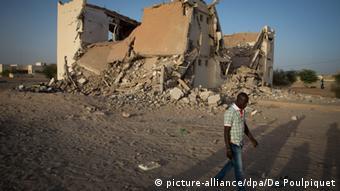 Zerstörung in Timbuktu (picture-alliance/dpa/De Poulpiquet)