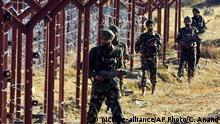Grenze zwischen Indien und Kaschmir Soldaten