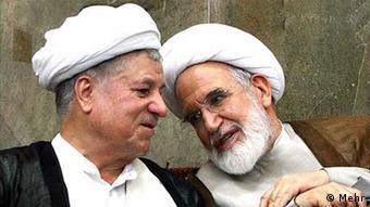 رفسنجانی در کنار مهدی کروبی؛ رفسنجانی نیز پس از تحولات سال ۱۳۸۸ تهدید به حبس خانگی شد، اما در نهایت از آن در امان ماند